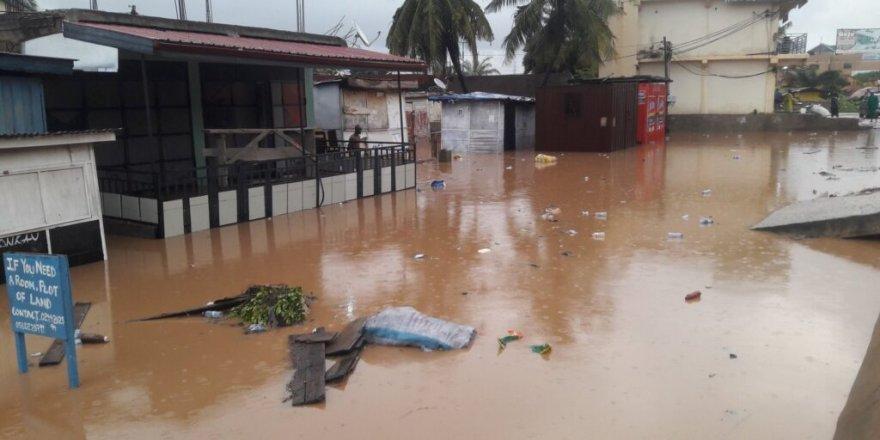 Gana'daki sel felaketinde 12 kişi hayatını kaybetti