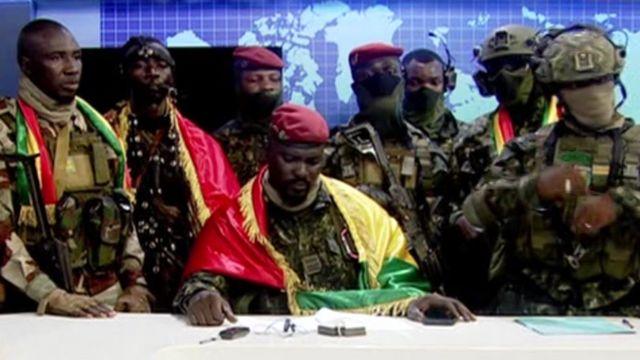 Batı Afrika ülkesi Gine'de ordu yönetime el koydu