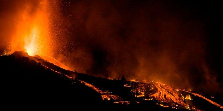 Kanarya Adaları'na bağlı La Palma'da volkanik patladı
