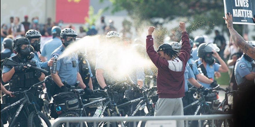 ABD'de Floyd'un polis tarafından öldürülmesi protesto edildi
