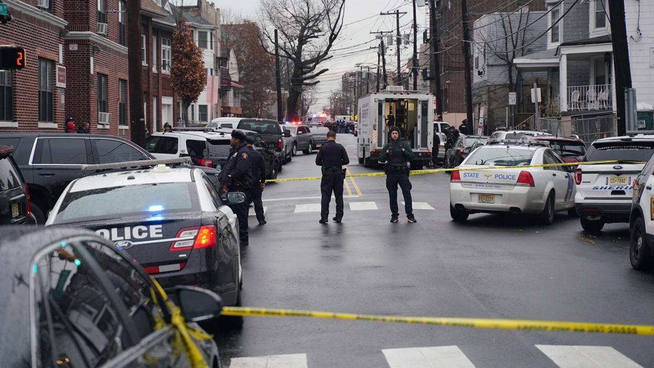 ABD'de kargo şirketine silahlı saldırı ölü ve yaralılar bulunuyor