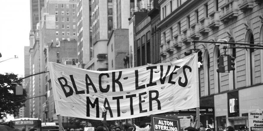 ABD'de polis şiddeti daha çok siyahları hedef alıyor