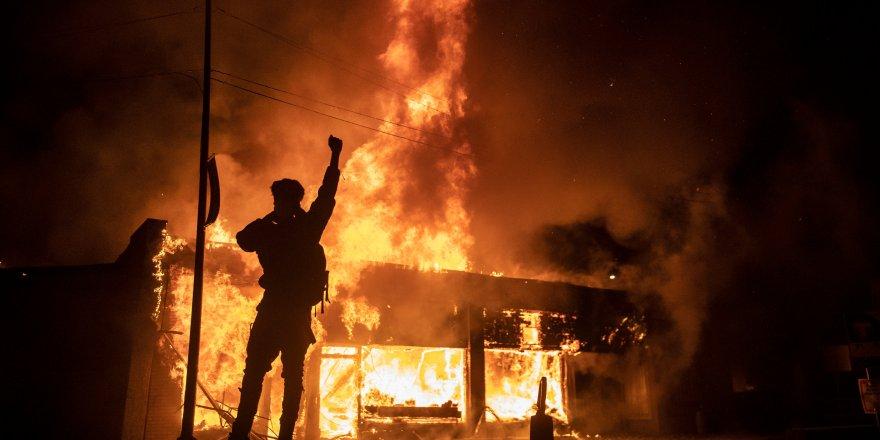 ABD'nin büyük şehirleri anarşist ilan edildi