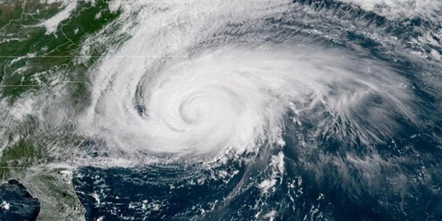 ABD'nin güneyini etkisi altına alan kasırga ve fırtınalar nedeniyle en az 11 kişi öldü