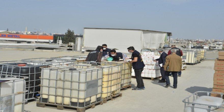 Adana'da 2 milyon liralık sahte dezenfektan ele geçirildi