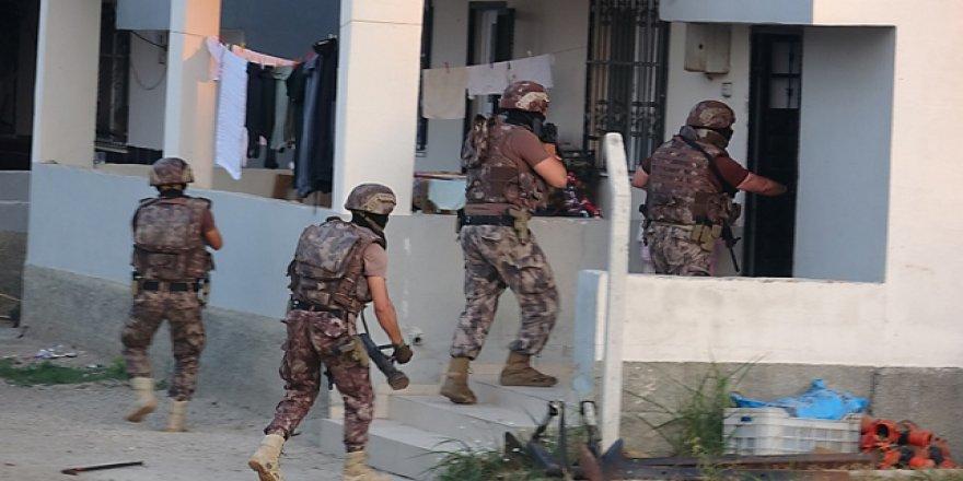 Adana'da 30 ayrı suça karışan organize suç örgütüne operasyon