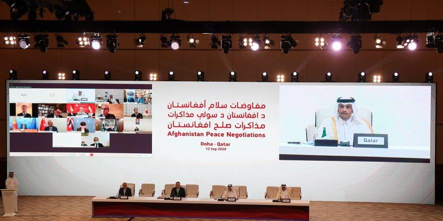 Afganistan hükümeti ve Taliban arasındaki görüşmeler Katar'da başladı