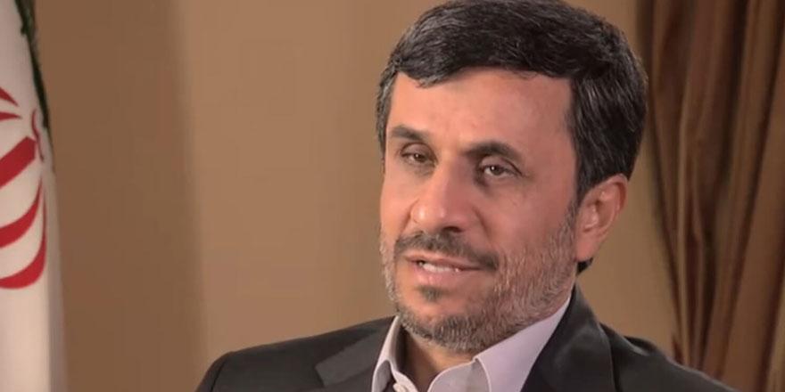 """Ahmedinejad Twitter'dan saçmaladı: """"2020'de Mehdi gelecek"""""""