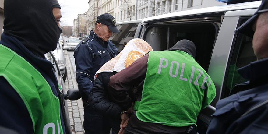 Almanya'da İran ajanlarına operasyon