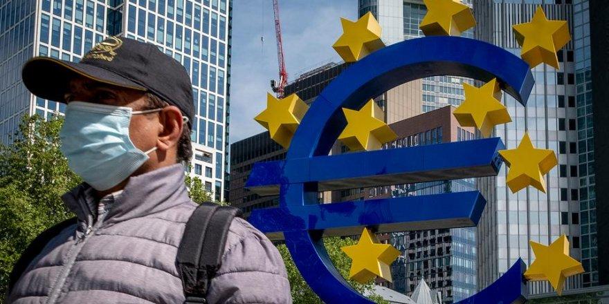 Almanya'da yıllık enflasyon, eylülde sıfırın altında kalarak yüzde eksi 0.2 oldu.