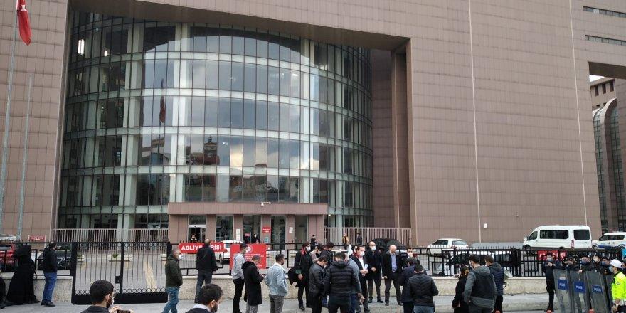 Avukatlardan Halis Hoca'ya verilen 3. ceza sonrası adliye önünde basın açıklaması!