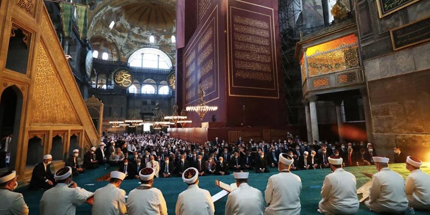Ayasofya'nın ibadete açılmasına dünyadan gelen ilk tepkiler