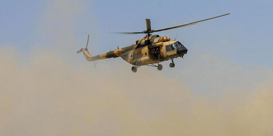 Aynı anda kalkış yapan 2 askeri helikopter çarpışarak düştü: 9 ölü