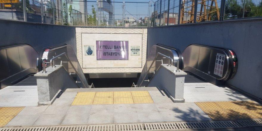 Başakşehir metro istasyonunda yürüyen merdiven çöktü!