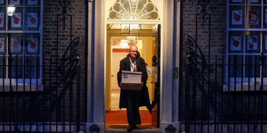 Boris Johnson'ın tartışmalı danışmanı görevi bıraktı