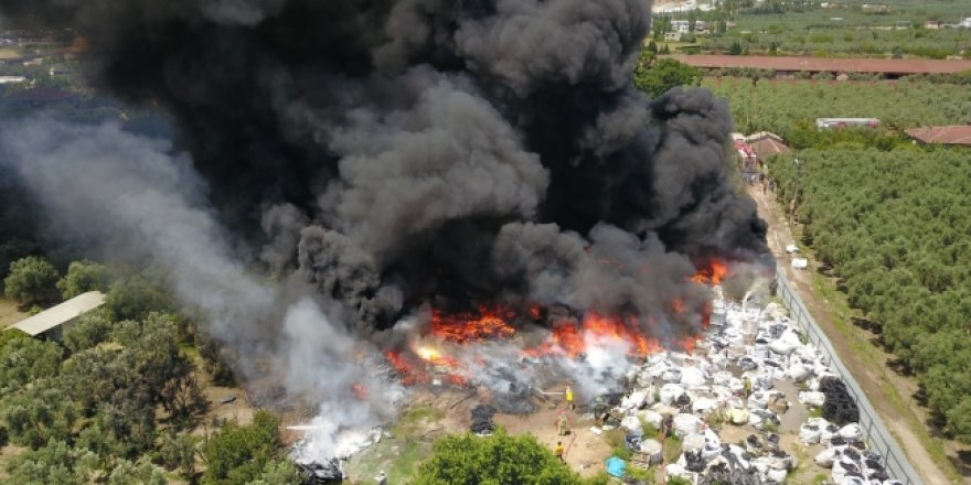Bursa Orhangazi'de geri dönüşüm tesisi yandı