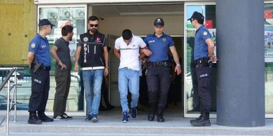 Bursa'da polis uygulamasında bir kişi üzerinde 7 kilo 250 gram bonzai ele geçirildi