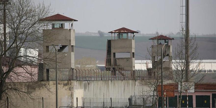 Cezaevlerindeki binlerce PKK'lı Öcalan için açlık grevine başlıyor