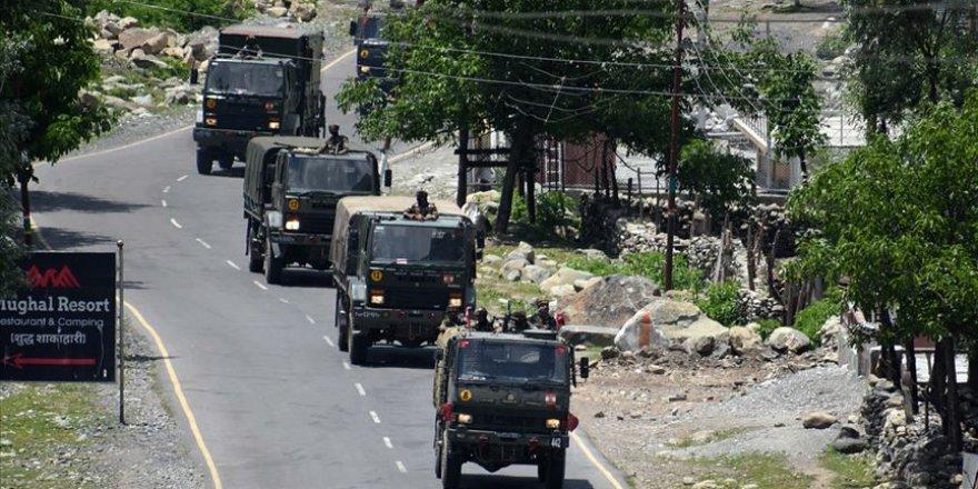 Çin'in Hindistan sınırına 60 bin asker konuşlandırdığı iddia edildi