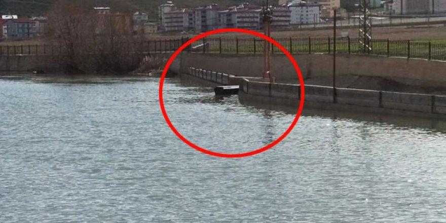 Çoruh Nehri'nde yüzen tabutlar