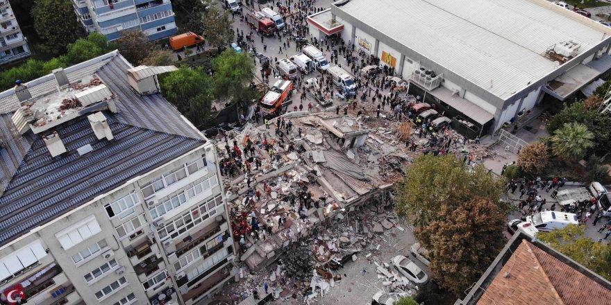 Depremde yıkılan binaların müteahhitlerinin de aralarında bulunduğu 9 kişi gözaltına alındı