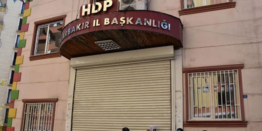 Diyarbakır ve Urfa'da operasyon: Eski HDP Milletvekili Ayla Akat Ata'da gözaltında