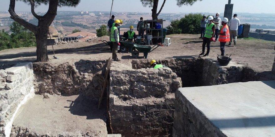 Diyarbakır'da 1700 yıllık mezar odaları bulundu