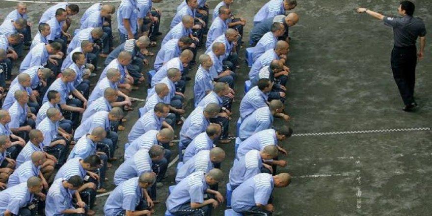 Doğu Türkistan'a Tehcir: Uygurlar zorla fabrikaya gönderiliyor