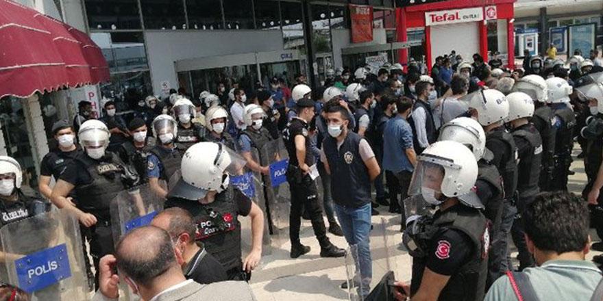 Edirne'ye yürümek isteyen HDP'liler Silivri'de gerginliğe sebep oldu: 10 gözaltı