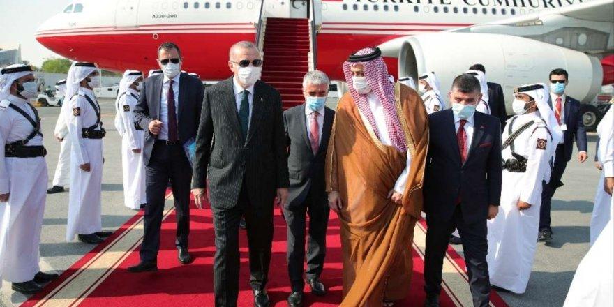 Erdoğan, Katar'da açıklamalarda bulundu