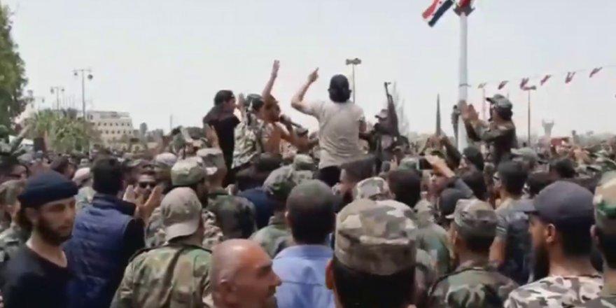 Esed rejimi Dera'da kontrolü kaybetti; protestolara asker de katıldı