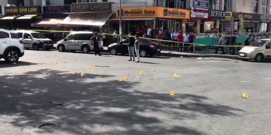Esenyurt'ta taksi durağında silahlı kavga: 3 ölü