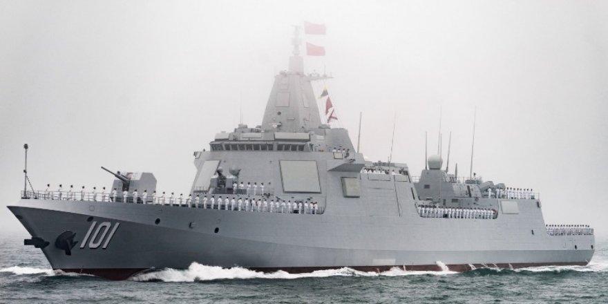 Filipinler, Güney Çin Denizi'nde Çin savaş gemisini uzaklaştırdıklarını bildirdi