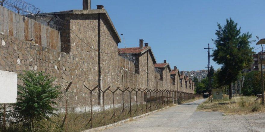 Filmlere sahne olan Buca cezaevi kapatıldı