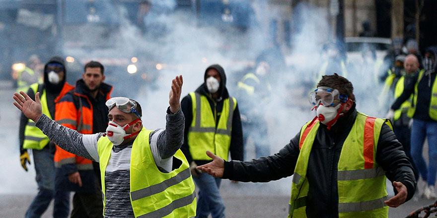 Fransa'da gözyaşartıcı bomba yasaklandı