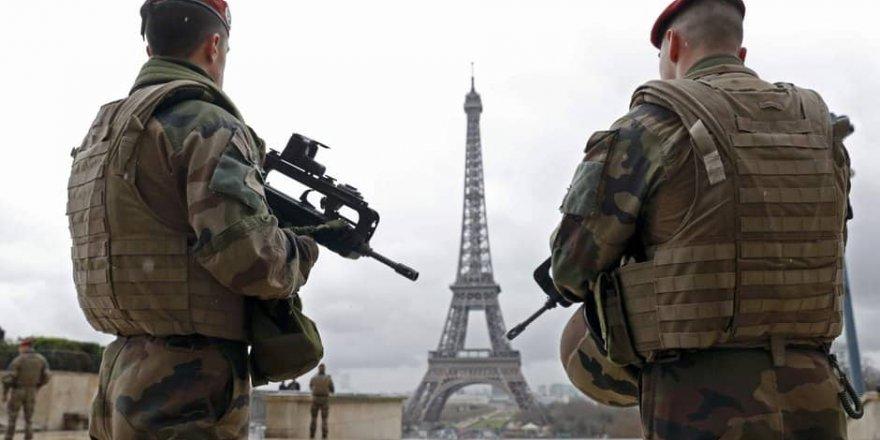 Fransa'da OHAL 24 Temmuz'a kadar uzatıldı