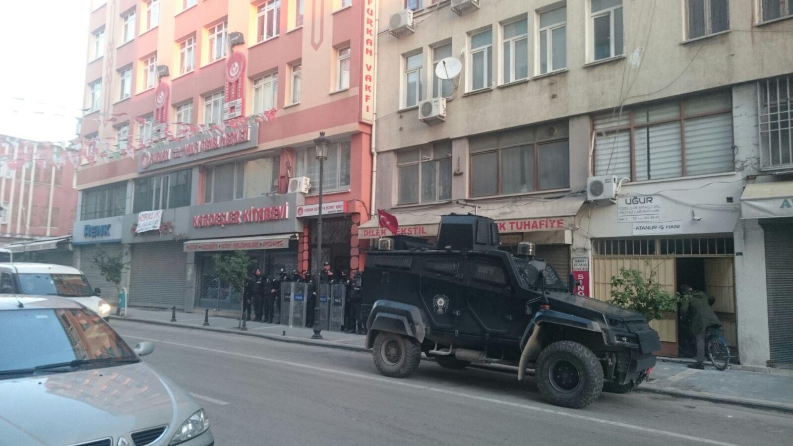 Furkan Vakfı'na operasyon, Alparslan Kuytul gözaltına alındı