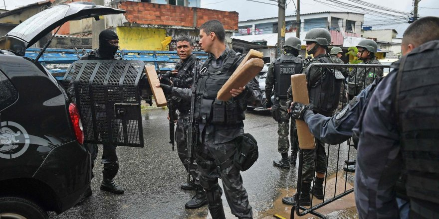 Güney Amerika ülkesinde, polisle çete çatıştı: 10 kişi öldü