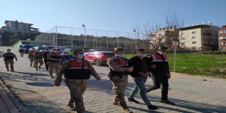 Hatay'da göçmen kaçakçılarına operasyon!