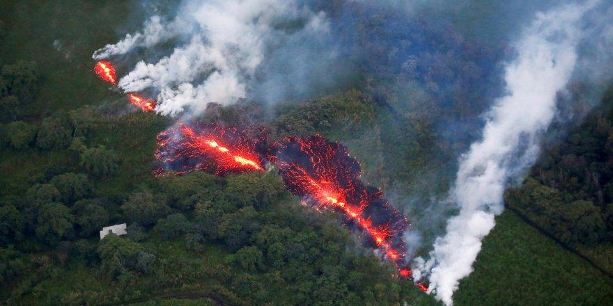 Hawaii'deki Kilauea Yanardağı lav püskürtmeye başladı