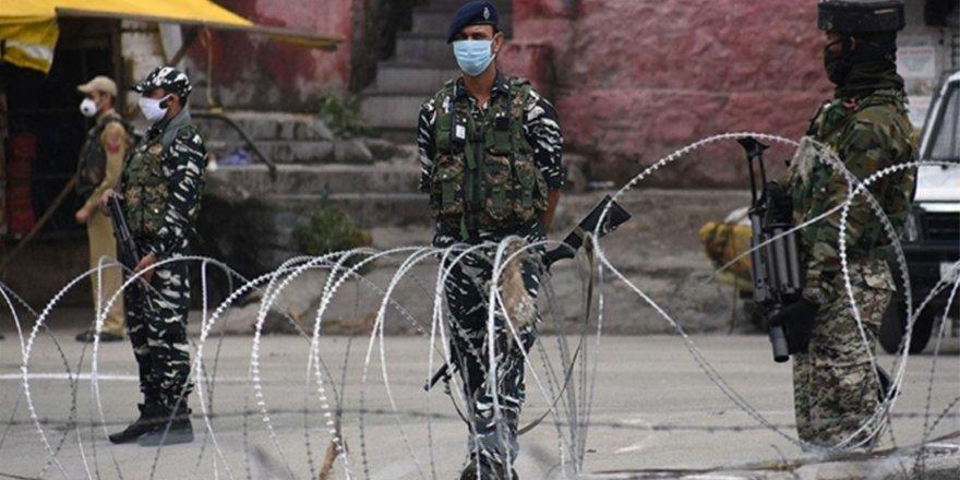 Hindistan, Keşmir çalışanlarını 'devletin güvenliğini' tehdit ettikleri içinihraç etti