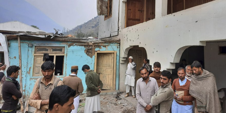 Hindistan ve Pakistan birlikleri Keşmir'de çatıştı