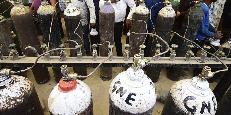 Hindistan,oksijen konsantratörlerinin Gümrük depolarında bekletildiğini yalanladı