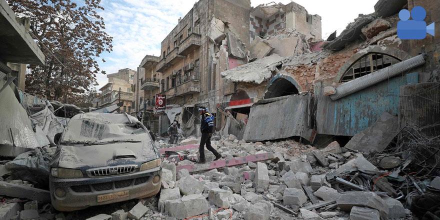 İdlib'de küçük çocuğun enkazdan kurtulma anları
