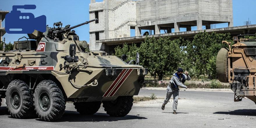 İdlib'te Türk-Rus devriyesi protesto edildi, yakınlara RPG düştü