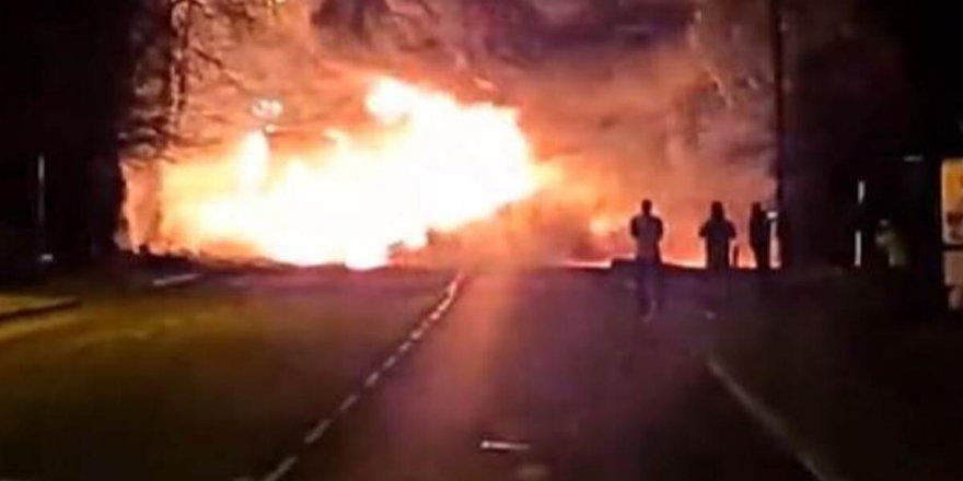 İngiltere'de kimyasal madde taşıyan tanker patladı