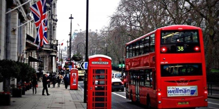 İngiltere:Hizmet sektöründesert bir daralma meydana geldi