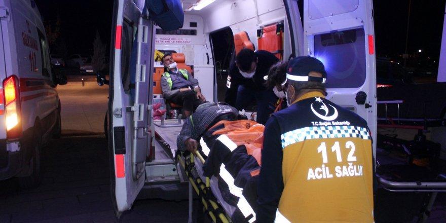 İşçileri taşıyan minibüs devrildi: 2'si ağır 14 yaralı