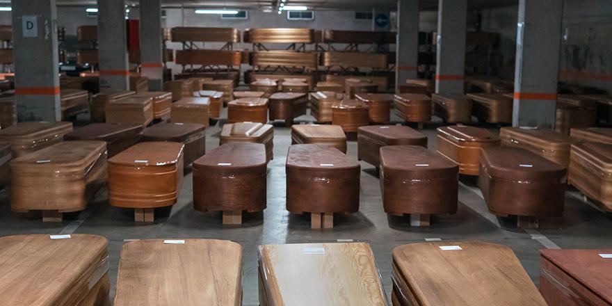 İspanya'da tabut üreticileri siparişleri karşılayamıyor
