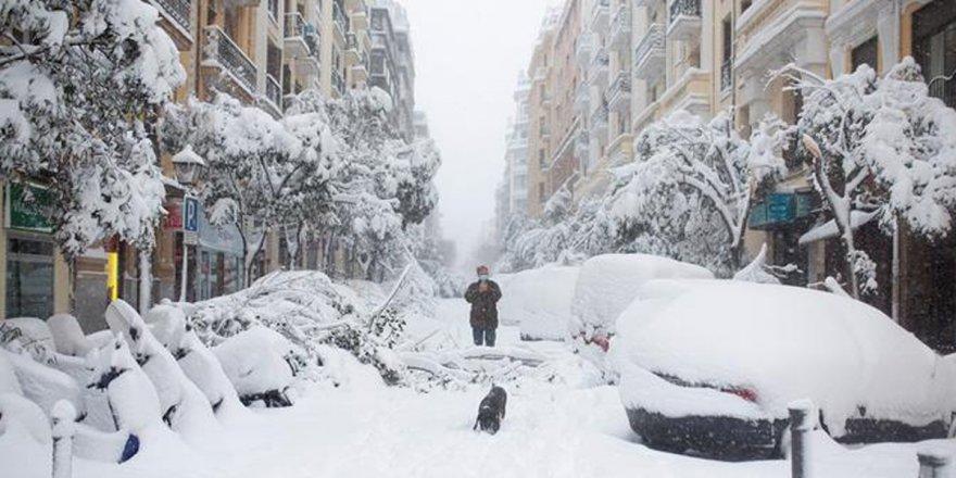 İspanya'yı Filomena kar fırtınası vurdu: 3 ölü